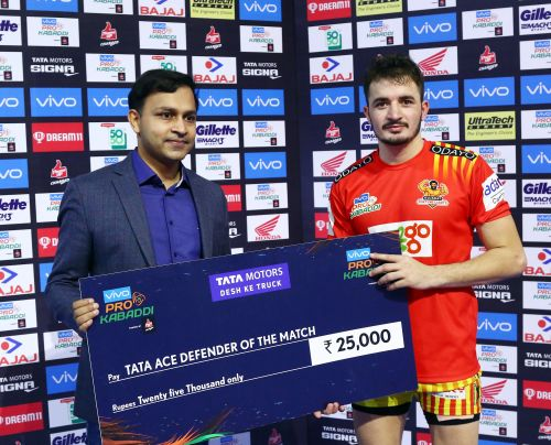 Parvesh Bhainswal's defensive prowess was on full display against U Mumba