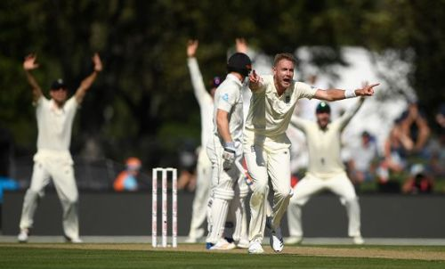 Broad appeals for lbw: New Zealand v England 2nd Test: Day 2