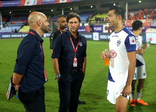 Zaragoza expects nothing but professionalism from his players [Image: ISL]