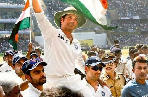 Kohli and Dhoni took Sachin on their shoulders