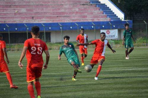Yogendra Thapa of South United plays a pass forward
