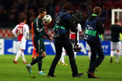 Ajax Amsterdam v Real Madrid - Ronaldo claims his first Champions League trio