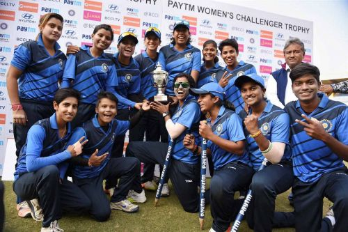 India Blue lifts the 2017-18 Senior Women's Challenger Trophy