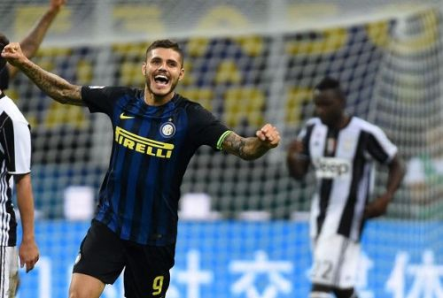 Icardi celebrates after scoring against Juventus in Serie A