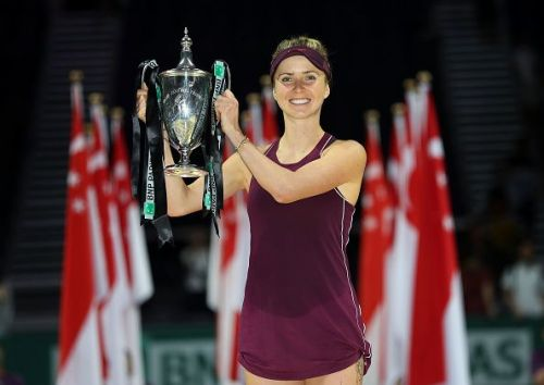 Elina Svitolina with the 2018 WTA Finals Trophy