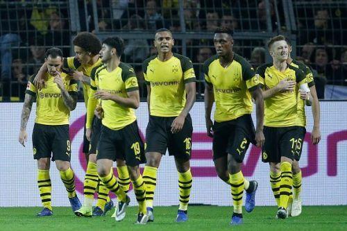 Jubilant Dortmund players after Alcacer's goal