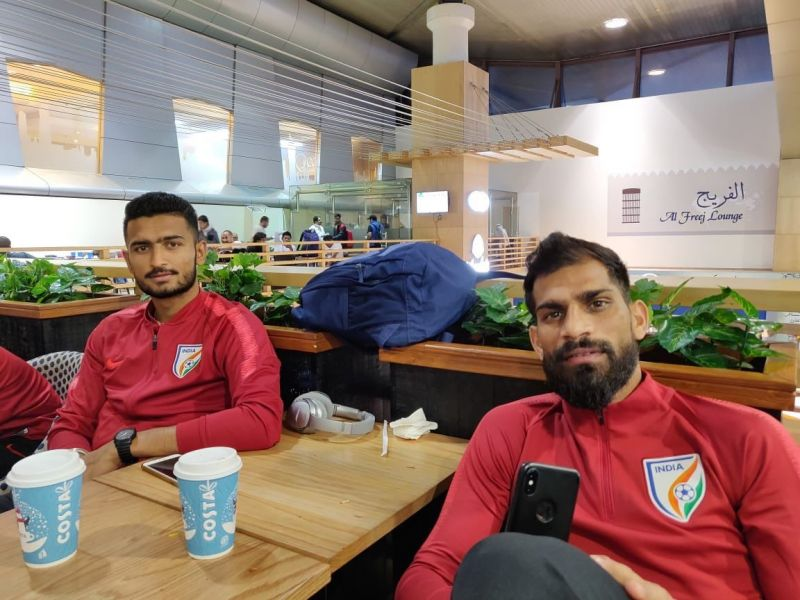 Balwant Singh (right) and Manvir Singh of the Indian national football team at the Kuwait International Airport (Image: Twitter/@IndianFootball)