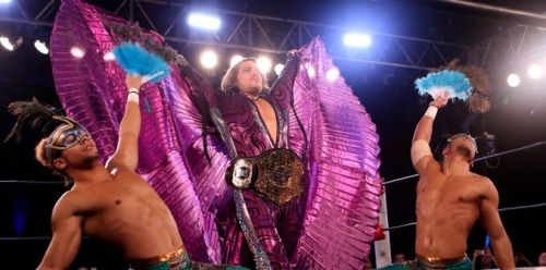 Dalton Castle making his flamboyant entrance
