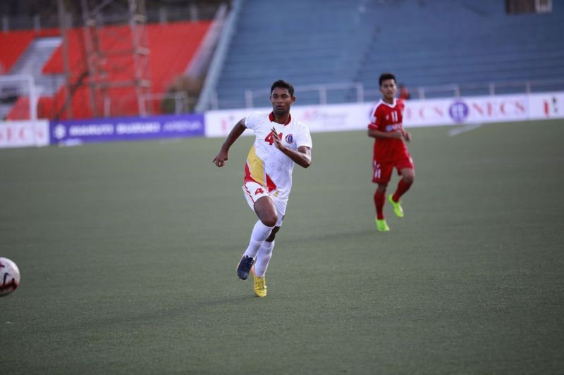 Manoj Mohammed was taken on for a ride by the Aizawl FC wingers