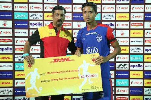Zaragoza is happy with the progress Semboi Haokip has made [Image: ISL]