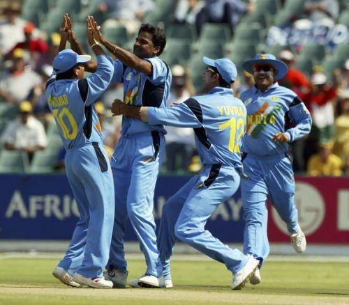 Javagal Srinath of India is congratulated by team-mates after dismissing Aravinda De Silva of Sri Lanka