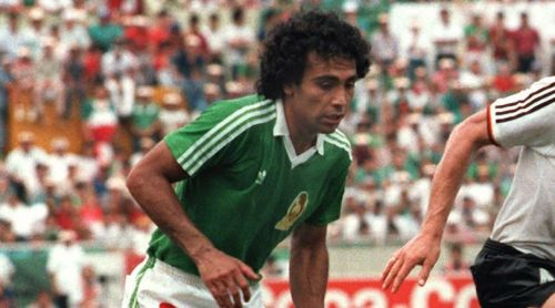 Hugo Sanchez taking penalty