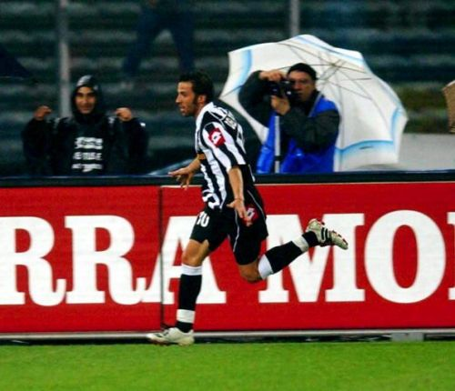 Alessandro Del Piero of Juventus celebrates scoring ...