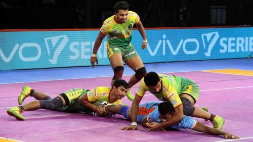 Mahinder Singh in action. [Picture Courtesy: ProKabaddi.com]