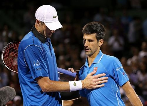 Djokovic is the overwhelming favourite to defeat Isner in Nitto ATP Finals