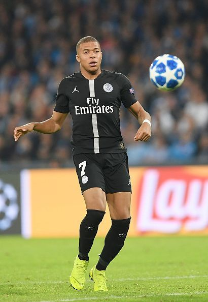 SSC Napoli v Paris Saint-Germain - UEFA Champions League Group C