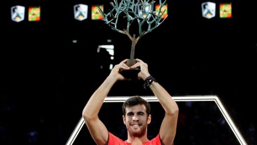 Khachanov with the trophy