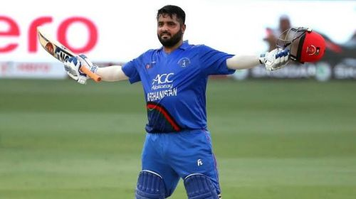 Mohammad Shahzad acknowledging the crowd after hitting a century against India in Asia Cup 2018