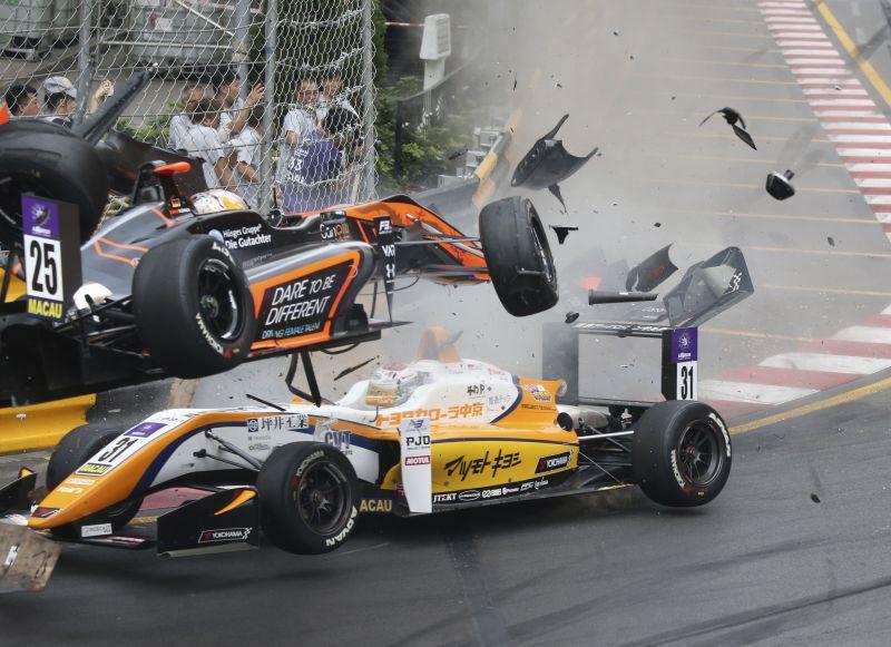 Teenage driver survives spectacular crash at F3 Macau GP