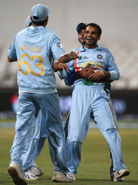Dhoni being a wicketkeeper showed signs that he understood the pulse of his bowlers.