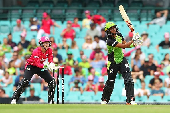 Harmanpreet Kaur playing in the BBL