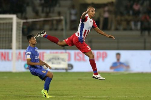 The former Mumbai City FC midfielder stopped many attacking moves from his former team in initial stages (Image Courtesy: ISL)