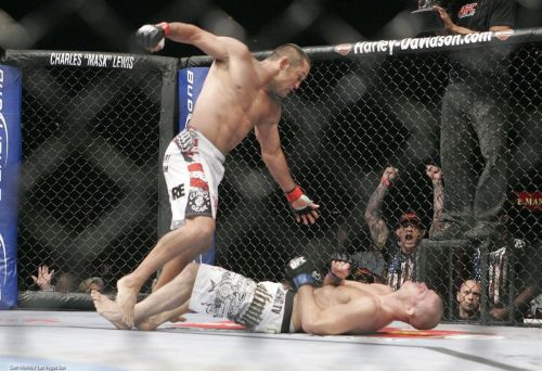 UFC 100: What happened when Brock Lesnar defended the