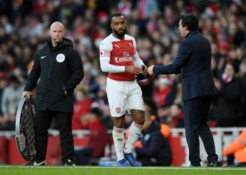 Lacazette after frustrated after being replaced by Alex Iwobi