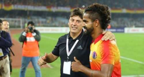East Bengal's Jobby Justin (R) scored in the Kolkata Derby as they won 3-2 [Image: I-League]