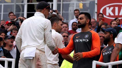 Virat Kohli shaking hands after losing the 2nd test at Perth