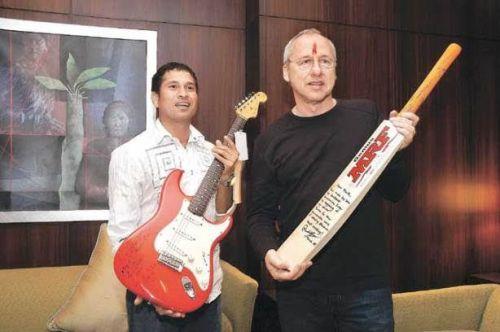 Sachin Tendulkar and Mark Knopfler