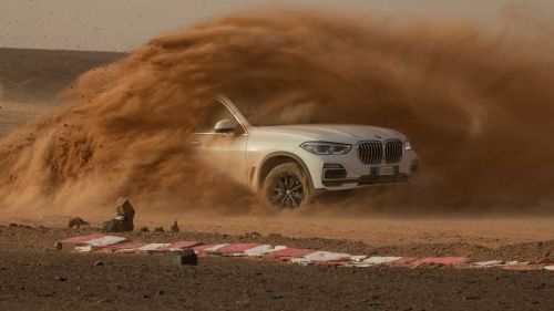 The BMW X5 on the Monza, Sahara. Credit: BMW Press Release