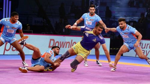 Ajay Thakur would look to inspire his team to a victory against the Bengal Warriors.