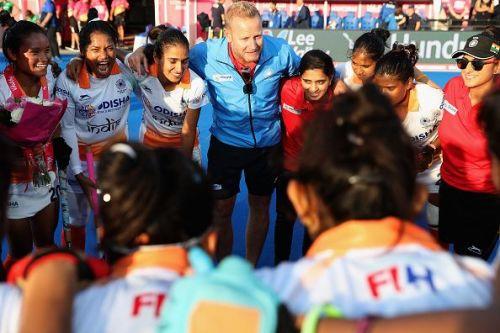 Marijne with the Indian women's team
