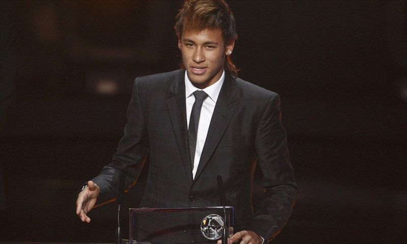 Neymar collects the FIFA Puskas Award 2011