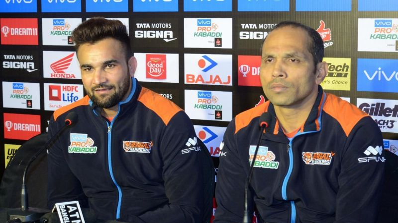 Ran Singh (left) and Jagdish Kumble talk after the match (Image courtesy: Pro Kabaddi League)