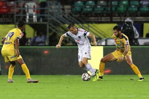 Rene Mihelic in action for Delhi Dynamos