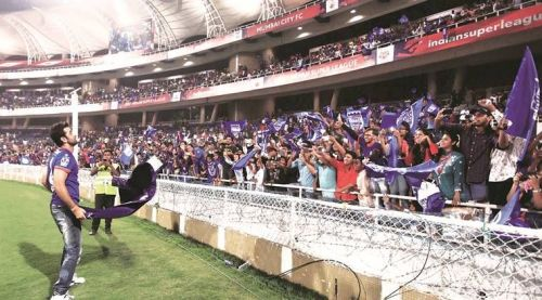 Bollywood adds glitz and glamour to Indian football
