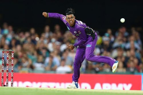 BBL 07 - Clive Rose bowling for the Hurricanes against Brisbane Heat