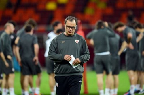Bielsa in training ahead of Bilbao's UEFA Europa League Final defeat against Atletico