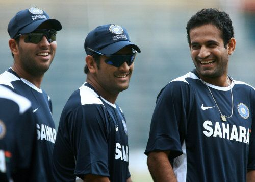Yuvraj Singh (L), MS Dhoni (C) and Irfan Pathan