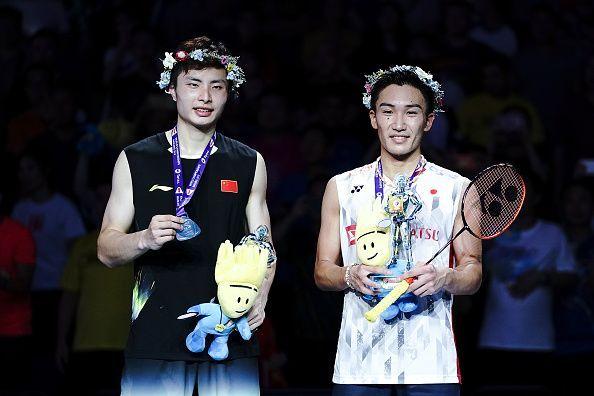 Kento Momota (R) and Shi Yuqi after the World Championship final