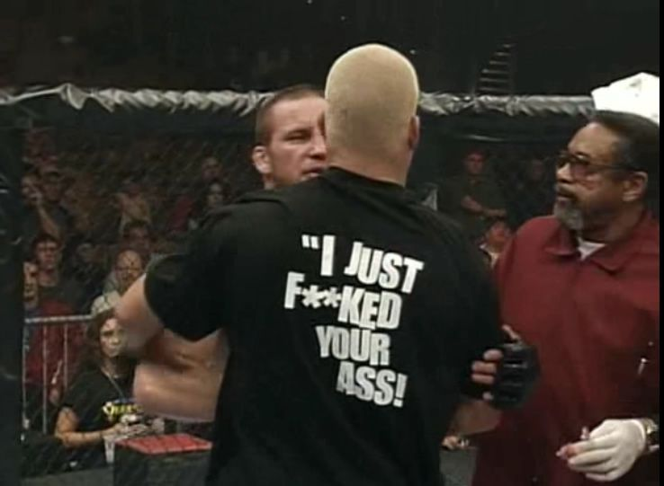 Tito Ortiz mocked the Lions Den at UFC 18