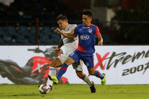 Stankovic tussles out Sunil Chhetri