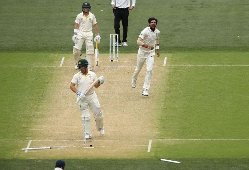 Aaron Finch wicket from ishant sharma