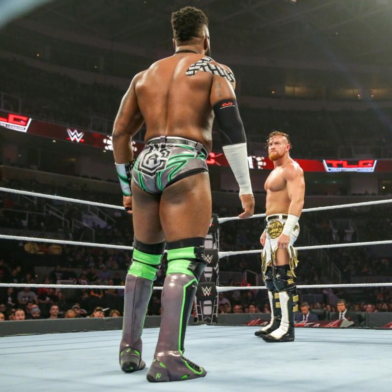 The cruiserweights staring each other down!