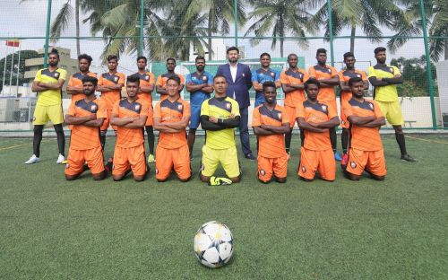The South United FC Team and coaches with CEO Pranav Trehan