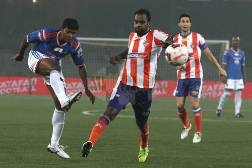 Rakesh Masih (right) tries to dispossess FC Goa's, Peter Carvalho