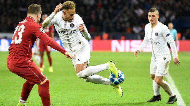 Neymar destroys Liverpool