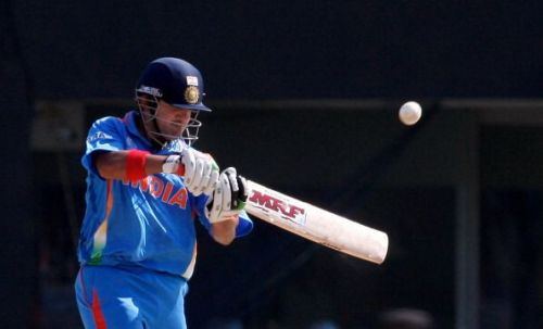 While chasing 275 in the final, India lost Sehwag in the second ball.